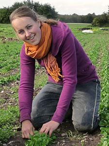 http://bioland-hof-grossholz.de/wp-content/uploads/2015/04/Biolandhof-Grossholz-Team-Nina.jpg