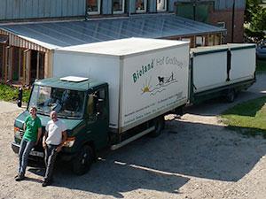 Biolandhof-Grossholz-Vermarktung-LKW-Marktanhaenger